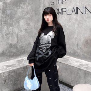 sweater đen